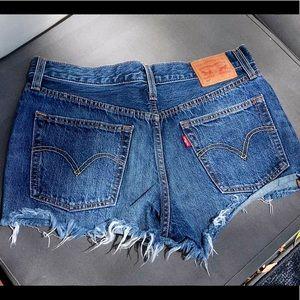 Levi's 501 High Waisted Frayed Shorts NWOT